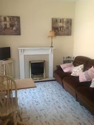 One bedroomed cottage sleeps 4 - Stockton on the Forest - Flat