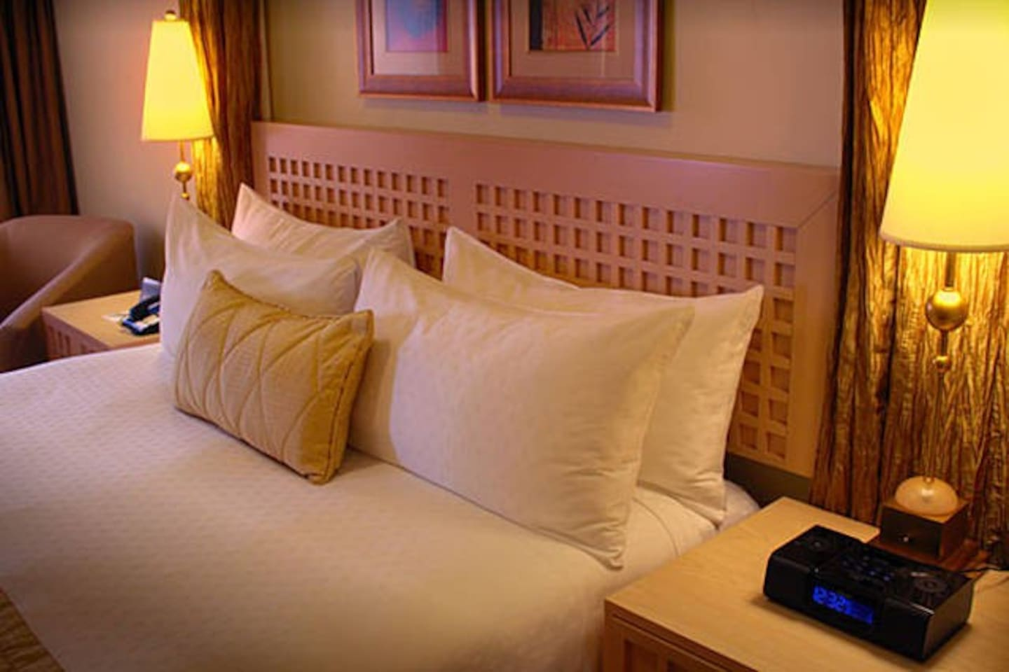 Polo Towers 2 Bedroom Suite Polo Towers 2bedroom On The Strip 02 Apartments For Rent In Las