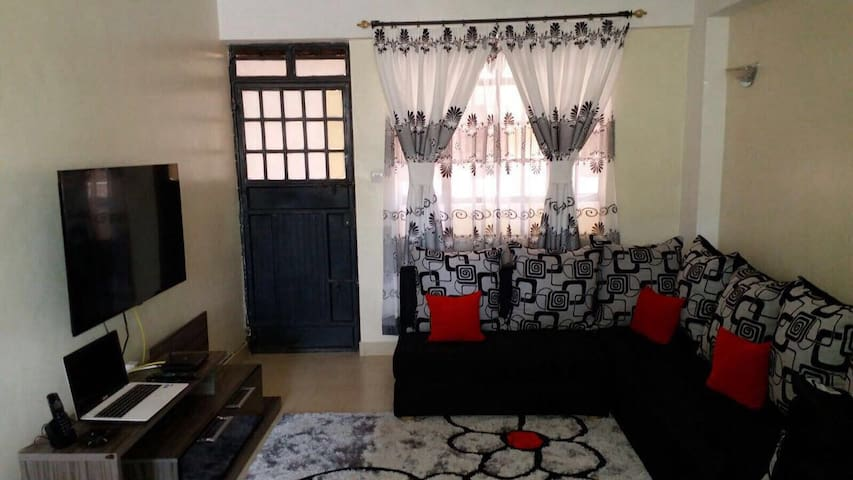 updated  comfortable apartment with a city view - Nairobi - Apartmen
