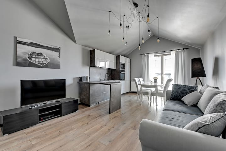 Waterlane SPA A22B by Downtown Apartments