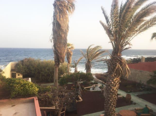 Charmy & Lovely Bedroom with sea views - El Médano - Casa