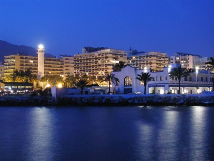 Exteriores del edificio. Puerto deportivo Marbella