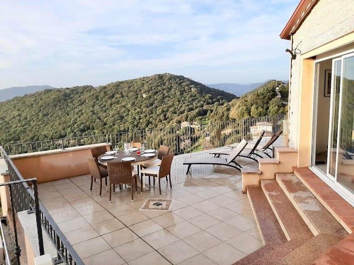 Grande villa avec vue exceptionnelle 2 à 10 pers