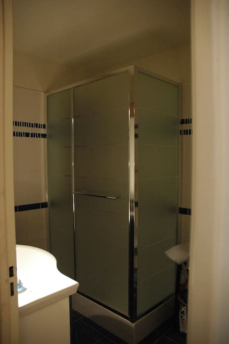 Salle de bain refaite récemment