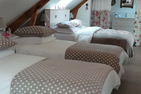 Belle demeure en Suisse Normande - La Fresnaye-au-Sauvage - Aamiaismajoitus