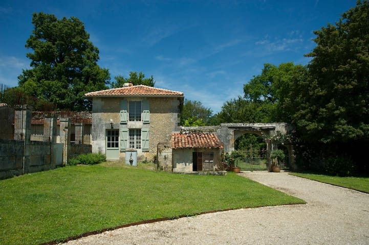 Charmante maison du Périgord vert - Bourg-des-Maisons - Casa