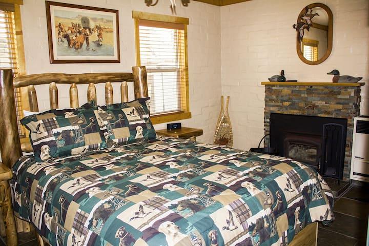 Mill Creek Studio Cabin -B