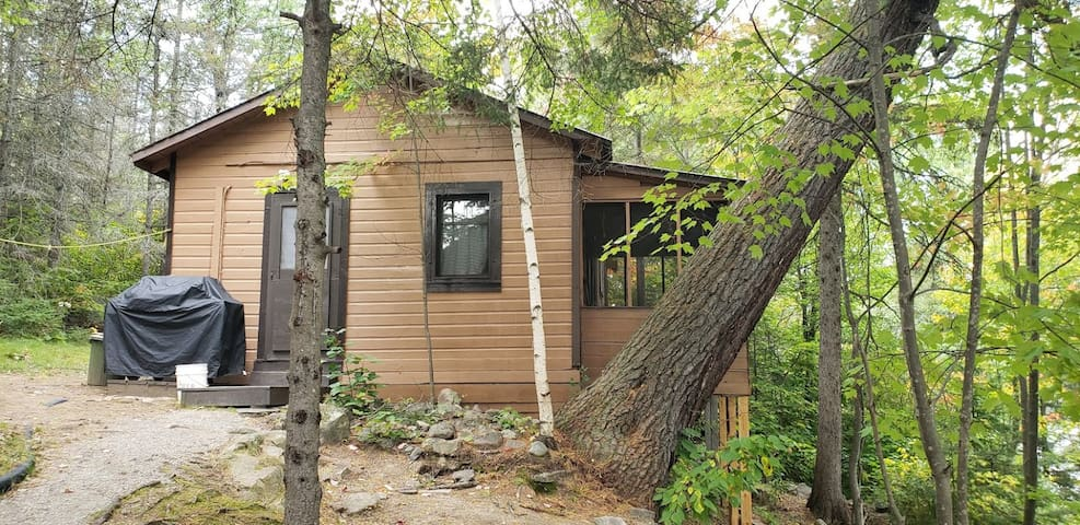 Waterfront Chalet on Beautiful Lake Kipawa