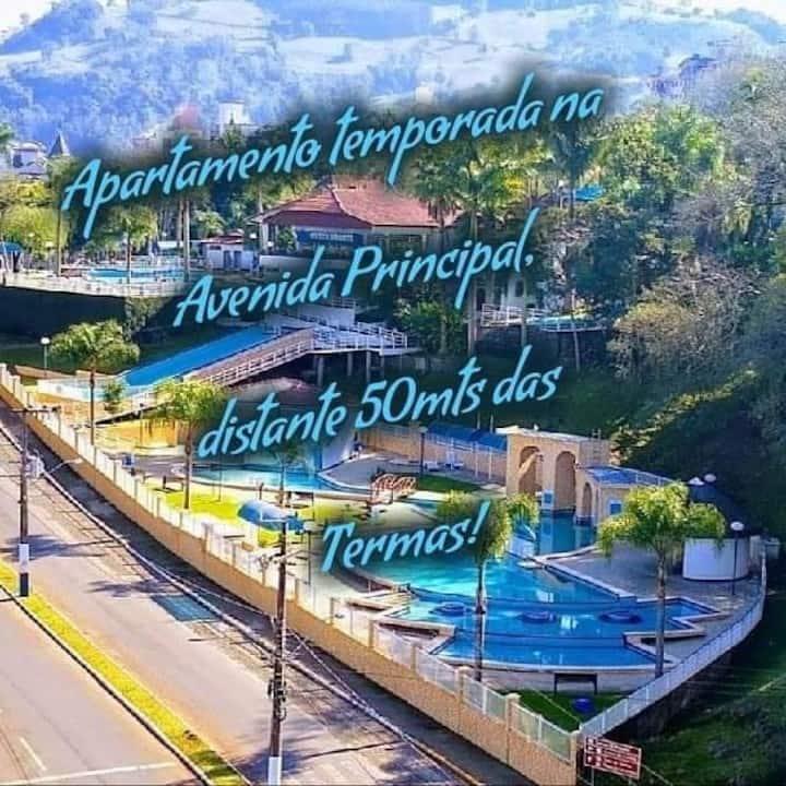 APT 304 Localização excelente Thermas Palace !!!