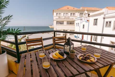 Alfaiate Beach House   Front beach apartment