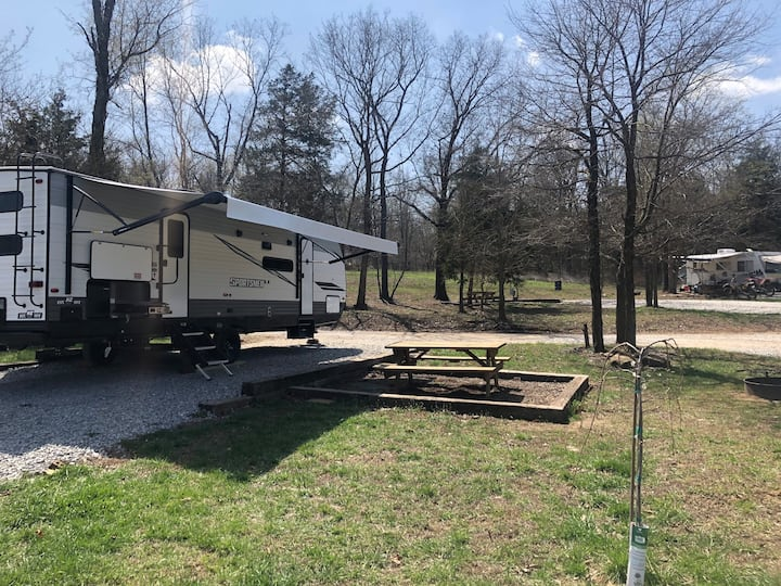2021 Camping Trailer all Amenities! Ozark Getaway!