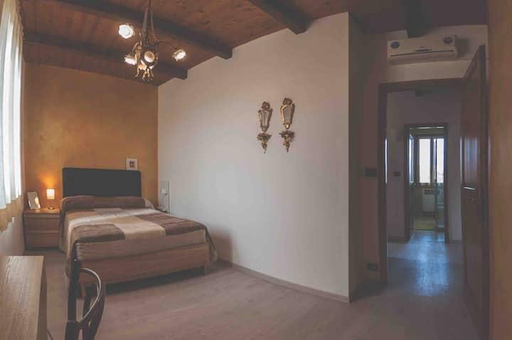 "Pizzicalaluna Farmhouse. Apartment ""Melograno"""