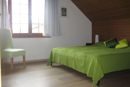 Schlafen auf dem Weingut - Villigen - ที่พักพร้อมอาหารเช้า