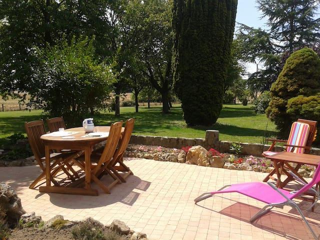 Maison de vacances en Bourgogne! - St Martin d'Ordon - Casa