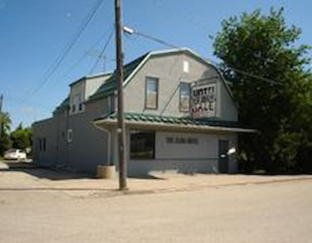 Country Hotel, Bar and Restaurant - Elma - Other