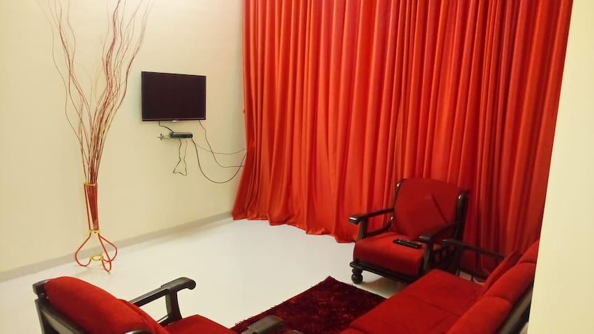 2bhk flat near exhibition Goregaon East