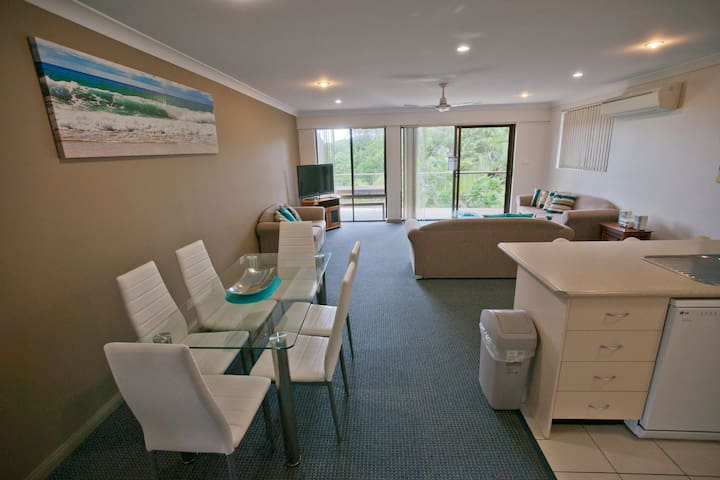 Smugglers on the Beach - 3 Bedroom Apartment - Korora - Byt