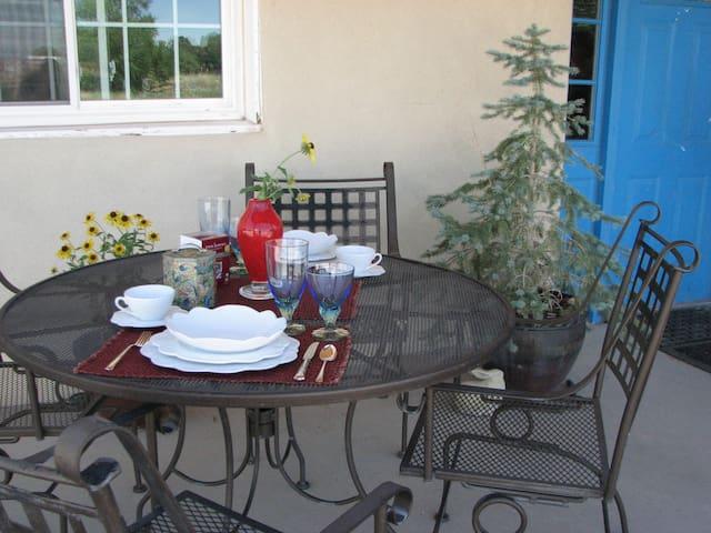 Country Cottage - Priv. Room & Bath (No Fees) - Santa Fe - Ev