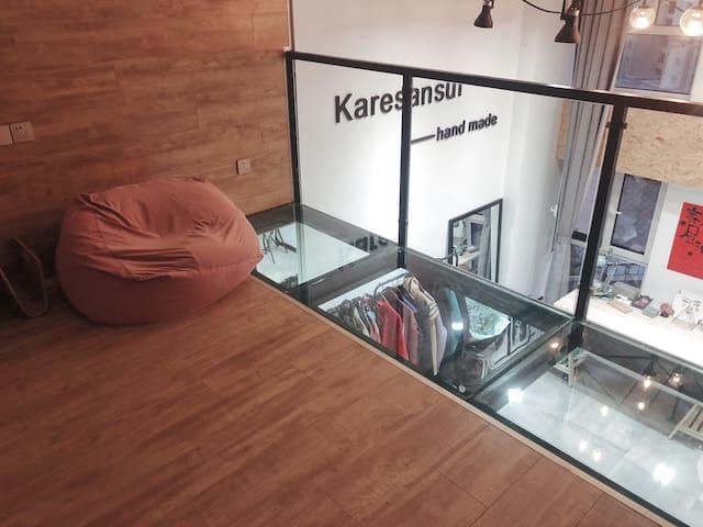 服装设计师Loft工作室80平民宿,北欧风适合拍照,近新都心商圈,有地铁,麦德龙购物方便可试穿美衣。