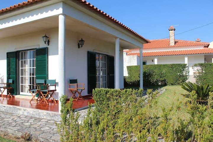 Surf retreat villa near Ericeira - Mafra National Palace - Villa