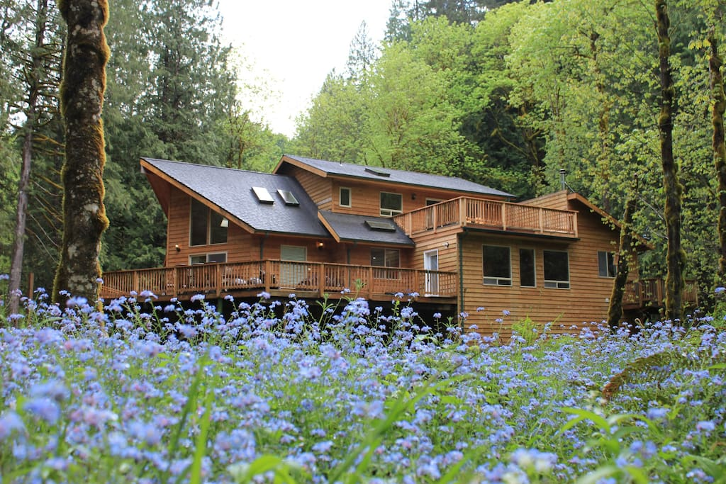 Back view of the chalet, showing 2 decks for BBQs and relaxing.