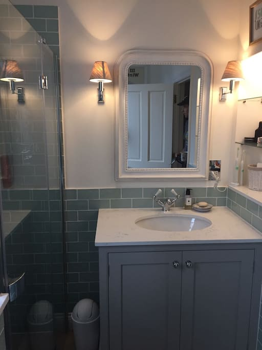 Main Family Bathroom with Vanity Unit