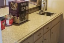 Coffee/wet bar