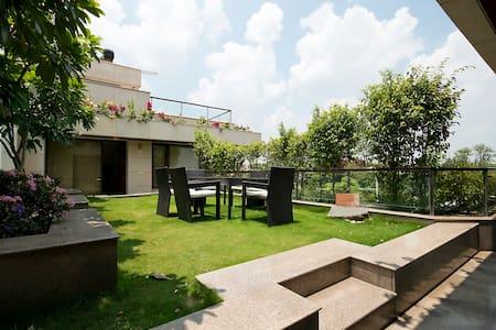 Bedroom with Pool & Terrace garden - Gurgaon