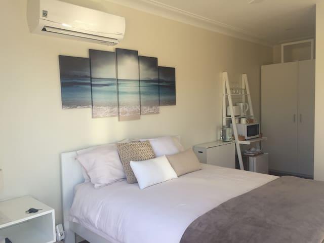 Luxury private room @ Flynns Beach, Port Macquarie