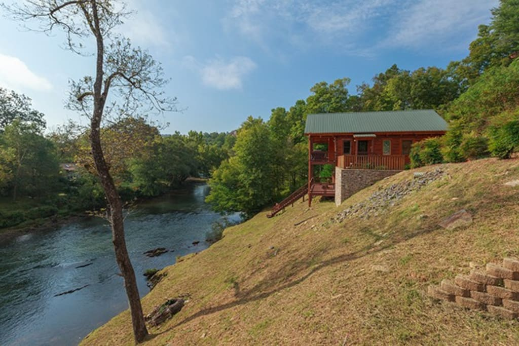 Hiwassee River Sanctuary—Just Steps Away From The Beautiful Hiwassee River