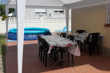 Bel appartement terrasse (90m2) - Creixell - Apartament