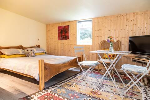 Beechwood Studio - quiet, cosy, close to town