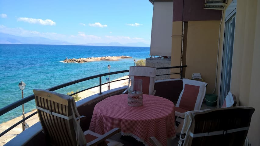 Eleana's Place.  Luxury and panoramic sea view - Xylokastro Ξυλόκαστρο