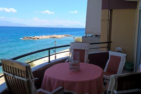 Eleana's Place.  Luxury and panoramic sea view - Xylokastro Ξυλόκαστρο - Casa