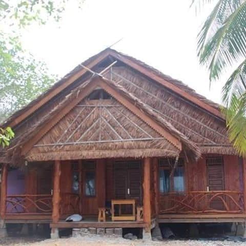 Mentawai Holiday Cottage + Daily Surfing Boat