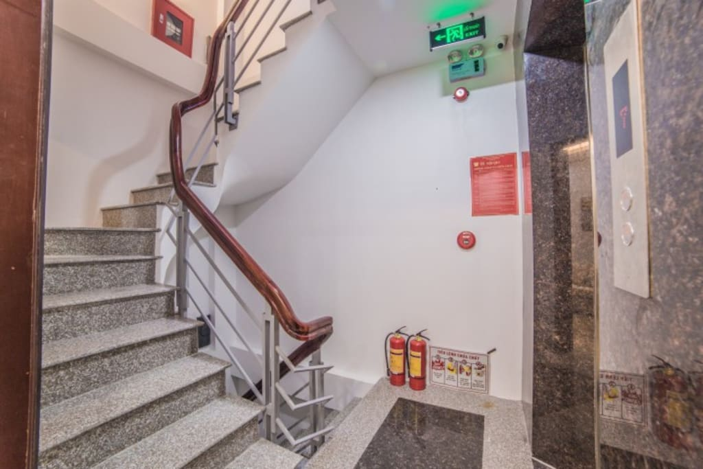 Travel by Elevator or stairs extremely comfortable