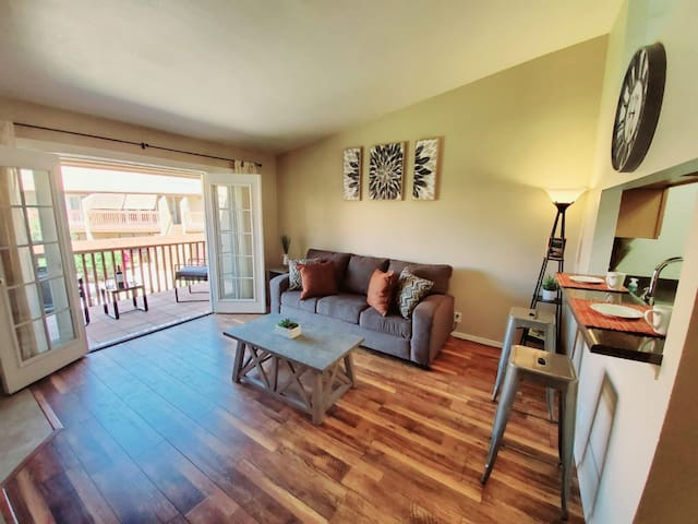 Sungate Gem at Moon Mountain  (Gated community)