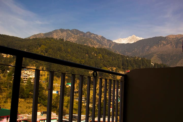 hill town - Dharamshala - Pension