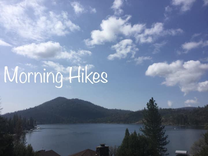 Little Bear Lodge Lake View.