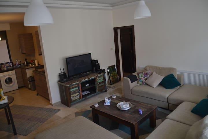 New apartment at a prime location in Amman - Aman - Apartamento