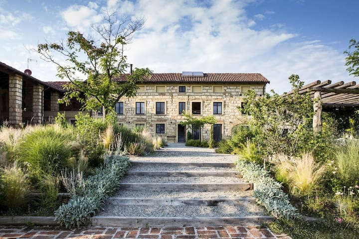 Charming country house in Piedmont