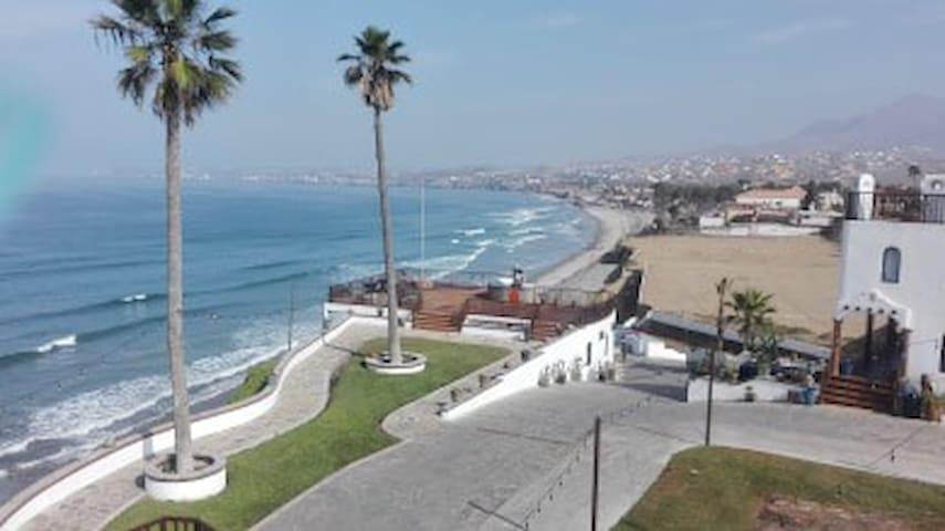 Casa Playa Baja Suite - oceanfront, pool, jacuzzi