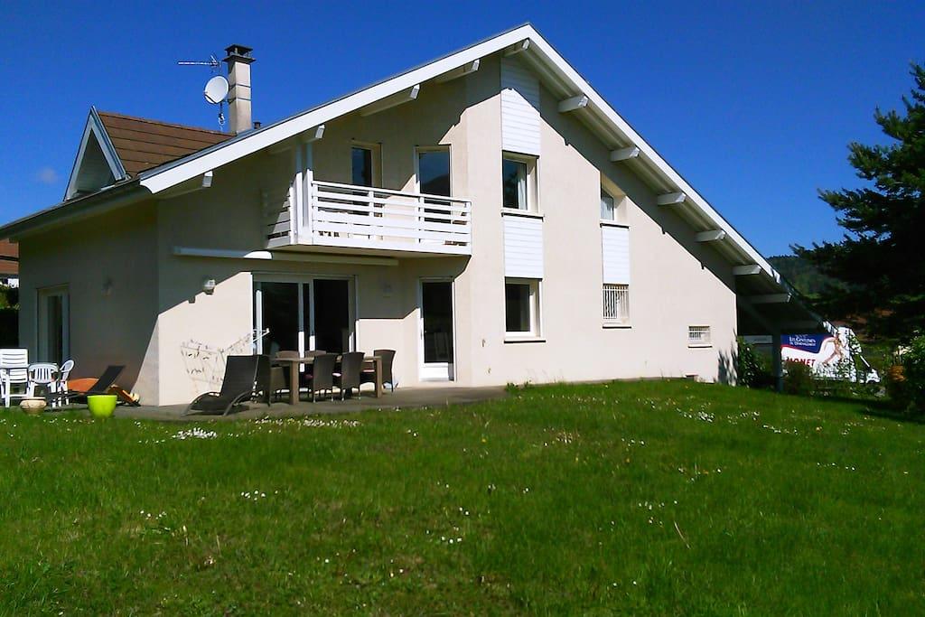 Tr s belle maison annecy le vieux maisons louer for Annecy location maison