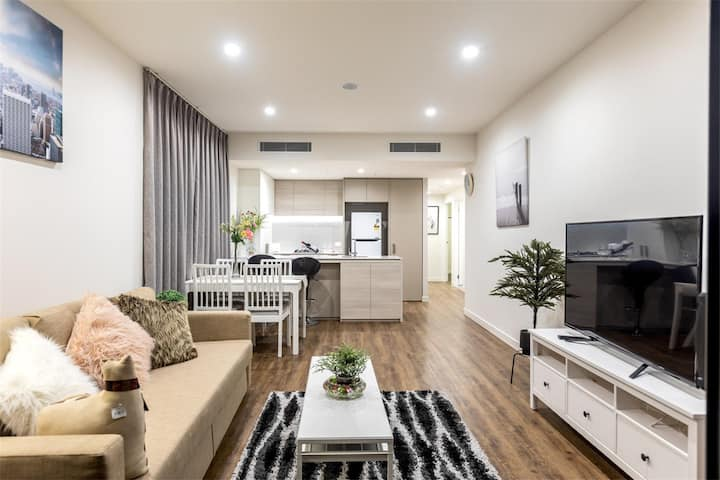Sweet Waterfront Home in South Brisbane LUW1R1