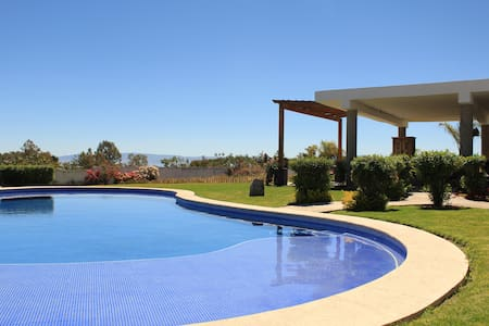 Relaxing in Chapala: pool, terrace and garden - Chapala - Hus