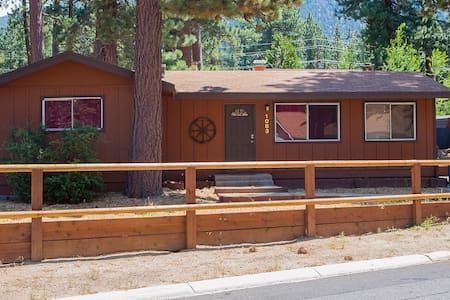 Clean Ski Cabin by Heavenly Village and Lake - South Lake Tahoe