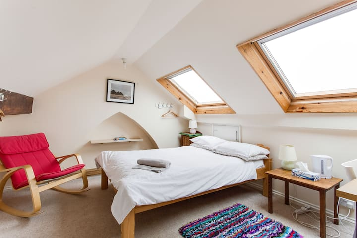 Peaceful Attic in Victorian House. - Swansea - Casa