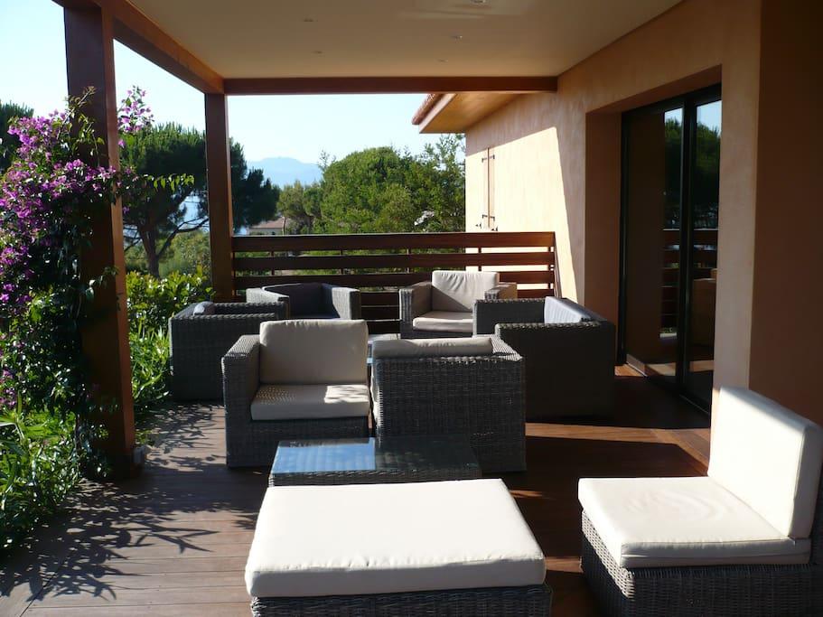salon sur la terrasse