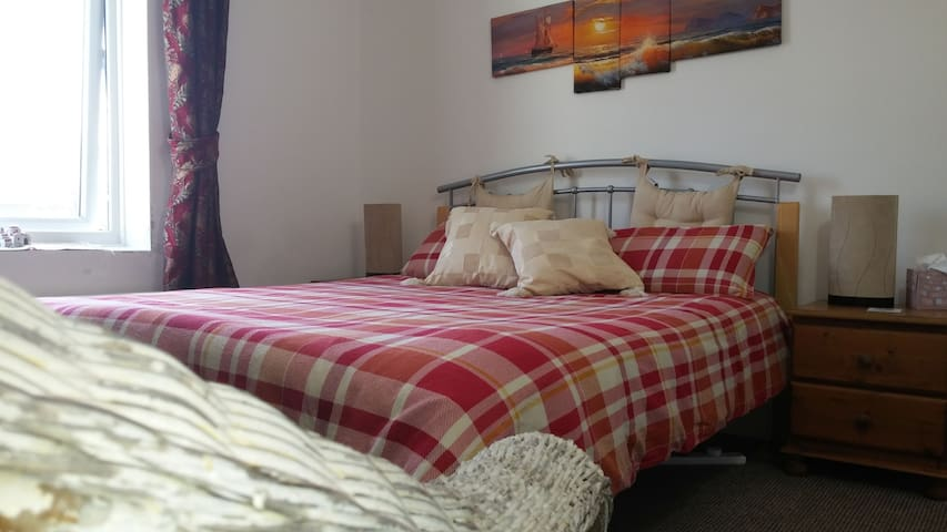 Cosy Comfort Close to Deal Station & Dover Cliffs - Walmer - House