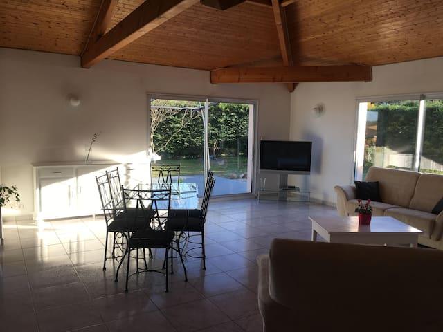 Maison chaleureuse agréable à vivre - Pavie - House